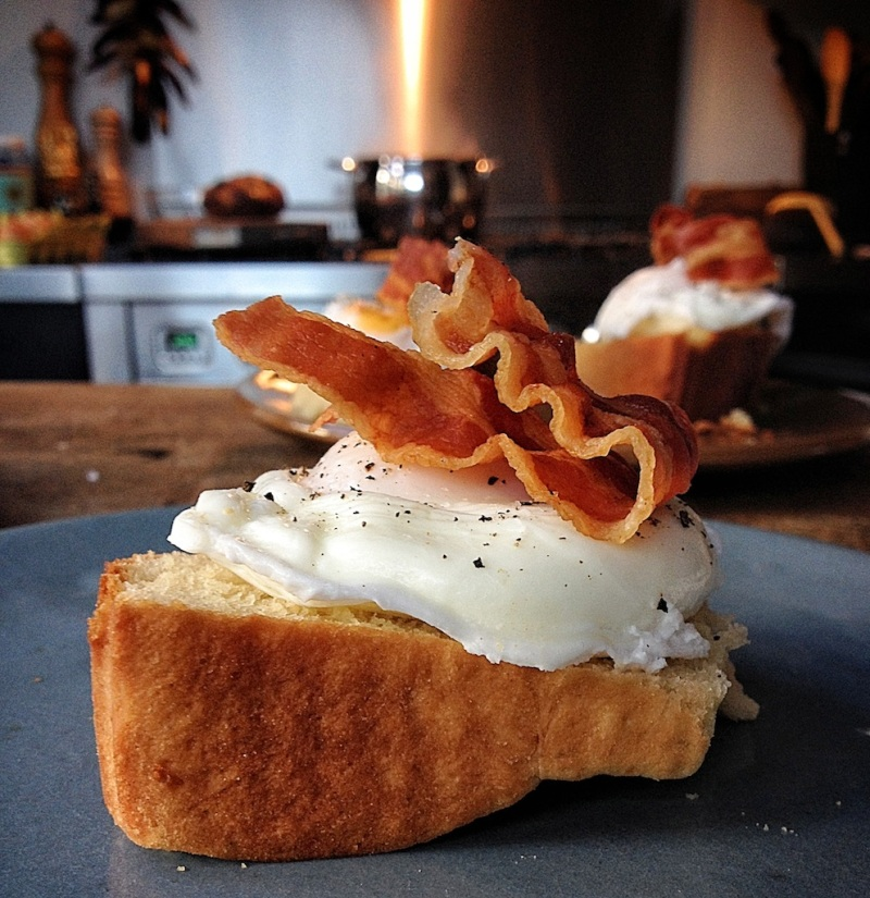 brioche, poached egg & bacon