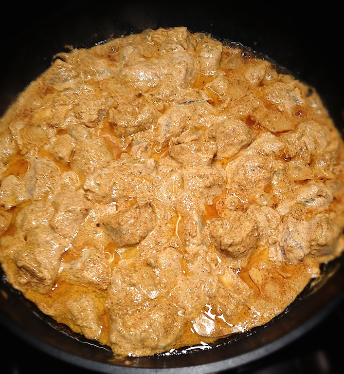 butterchicken in teh pan 2